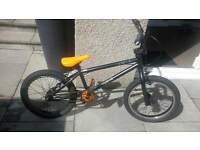"Black Mongoose Bike 17"" wheels"