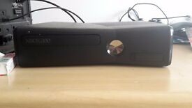 Xbox 360, 2 pads, all wires and 24 games.