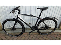 Gents road bike in superb condition, light frame, disc brakes, hub gears £200