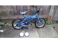BOYS BIKE + STABILISER £20 POUND