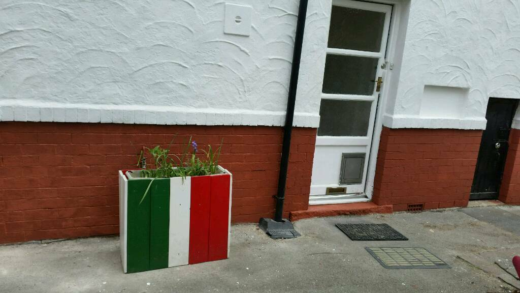 4 bed, off rd parking, garage, garden in Chapel Allerton