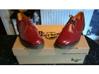Dr Martin size 7 ox blood colour shoes (AS NEW !!!!!)