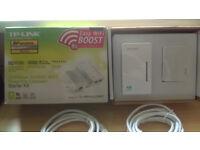 TP-LINK TL-WPA4220KIT AV500 2-Port Wifi Powerline Adapter Starter Kit