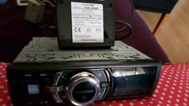 Alpine car radio with Bluetooth