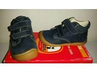Pepino shoes size 4
