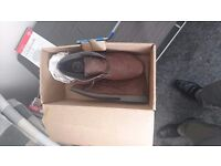 Mens size 7 Brown Boots