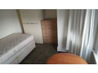 ROOM IN HOUSE. BOURNEMOUTH TOWN CENTRE
