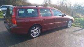 Meticulously maintained Volvo V70, Auto, resprayed & reconditioned alloys, fully heated leather!