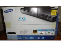 Samsung BD-E5300 Blu-Ray player.