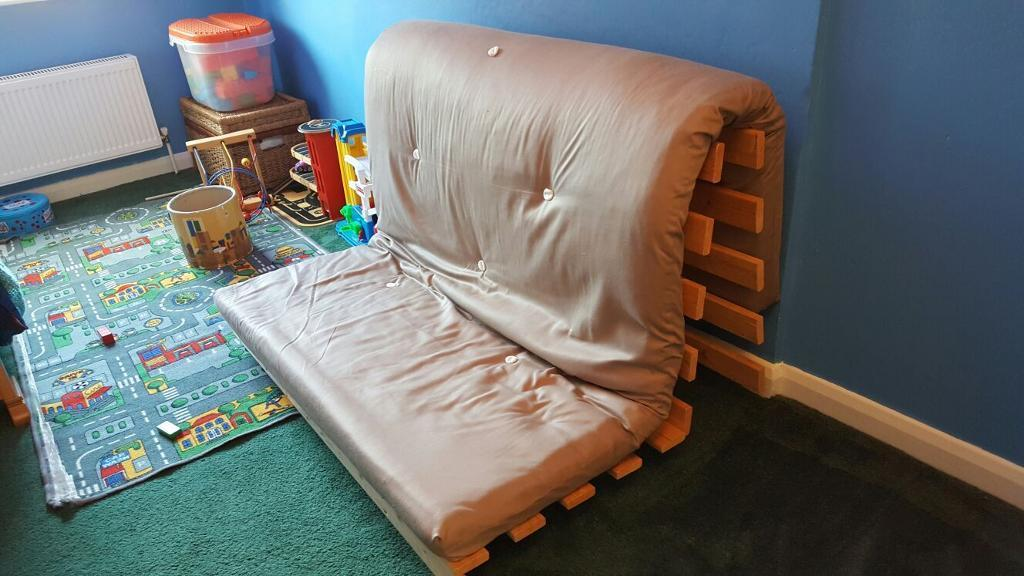 excellent condition futon