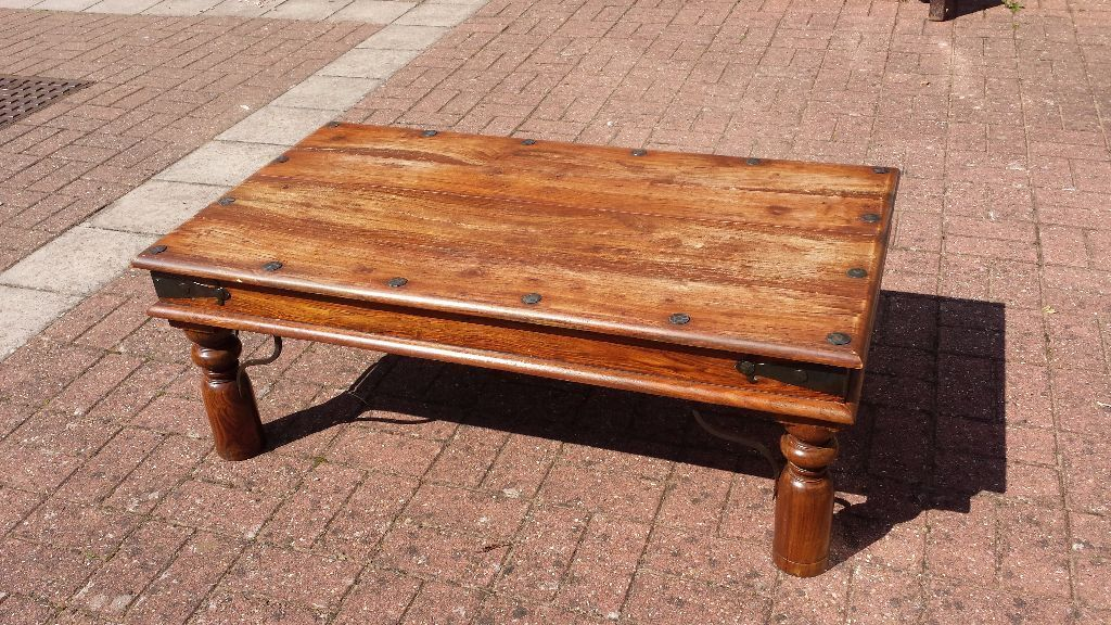 Indian wood coffee table in torquay devon gumtree for Coffee tables gumtree