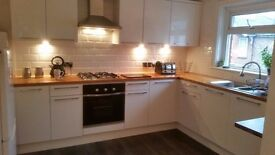 Furnished single room to rent in modern recently refurbished 2bedroom flat