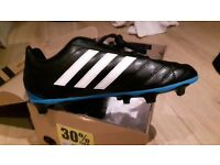 New Adidas football boots size 4