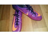 NIKE football trainers