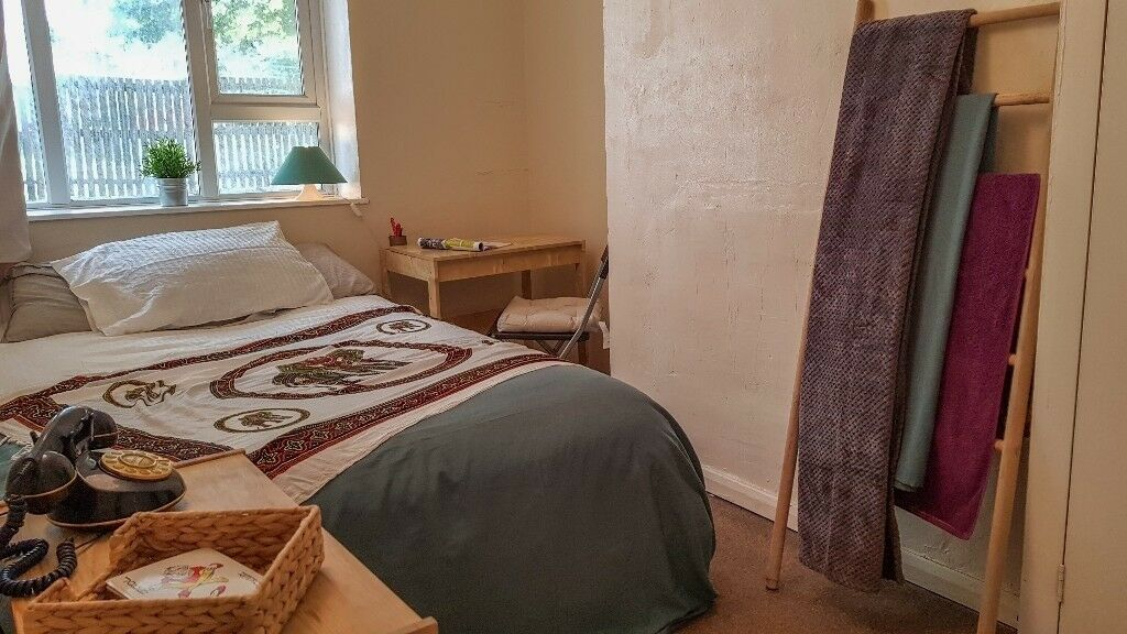 CHEAP DOUBLE ROOM IN EAST FINCHLEY
