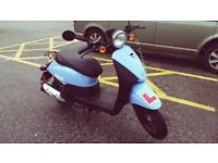Sinnis Flair 50cc scooter, 2015. Low mileage, very good condition
