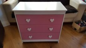Girl Chest of Draws - Second hand - very good condition - 3 draws in pink and white
