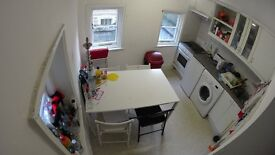 Double room for rent in Russell Square!