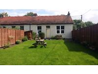 Spacious 2 bedroom Cottage with large garden 5 minutes from Perth