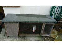 Rabbit/guinea pig hutch with water bottle and bowl