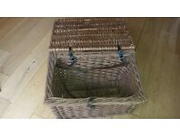 fishing basket with strap - vintage