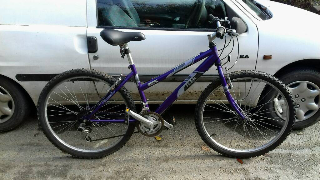 LADIES RALIEGH MOUNTAIN BIKE