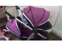 Beautiful oyster max double with car seat and adaptors. Raincovers also buggy board.
