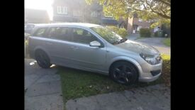 Lovely and spacious Vauxhall Astra 1.8 estate petrol car