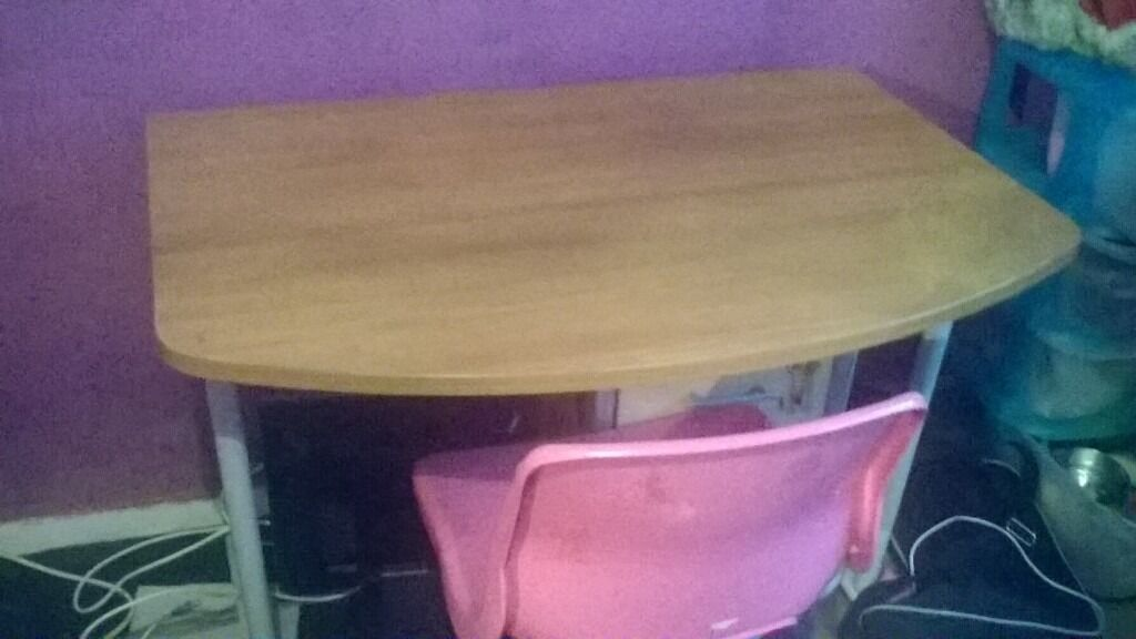 computer desk and chairin Kirkby in Ashfield, NottinghamshireGumtree - computer desk will dismantle before collection pink chair is included ideal for girls bedroom or for a living room need gone asap as having a new computer table soon no time wasters buyer to collect