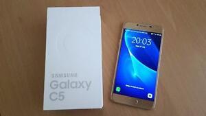 Brand New unlocked Samsung Galaxy C5 Dual SIM Gold *4GB RAM* 32GB internal memory