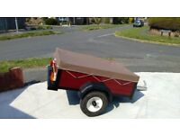 SMALL 4X3 CAMPING TRAILER