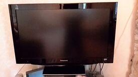 Panasonic TV TX-37LZD81 in good working order
