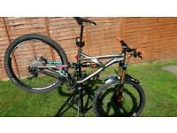 2015 specialized enduro comp size small lots of upgrades