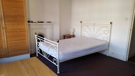 Double and single rooms in (CB1)