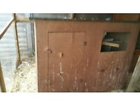 Chicken coop/pigeon housing
