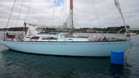 CLASSIC WOODEN YACHT GREAT CONDITION £19950