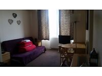1 bedroom flat at Broughton Road. WiFi included!!!
