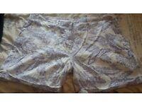 Bundle of ladies trousers/shorts
