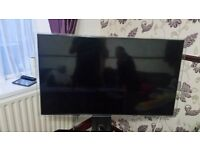 """46"""" Samsung HD TV for spares or Repairs Model no. - UE46F6800SB"""