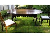 Solid Oak Oval Extendable Dining Table with 6 matching chairs
