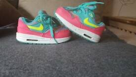 Children trainers Nike size 6.5
