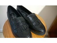 new never worn two pair of ladies shoes