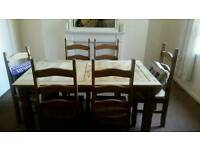 Dining table a 6 chairs