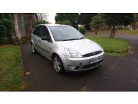 Ford Fiesta 1.4 Zetec 5dr only 27097 Warranted Miles from NEW MOT until 29/07/2017 1 keeper from new