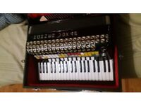 accordion *hohner atlantic 4n musette vox 4p*not have any cables to connect with the amplifier***