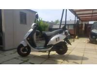 Sinnis moped