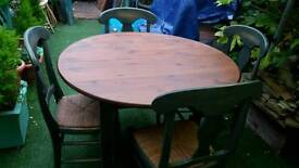 TABLE & CHAIRS COUNTRY STYLE