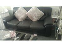 3 and 2 seat leather suite/sofa