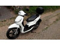 Peugeot Tweet 125 scooter, top box, immaculate condition!