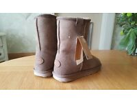 Ladies Emu Boots Size 5